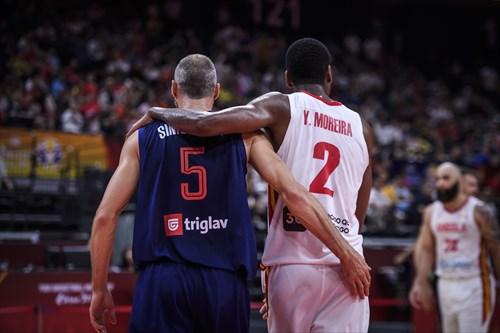 2 Yanick Moreira (ANG), 5 Marko Simonovic (SRB)