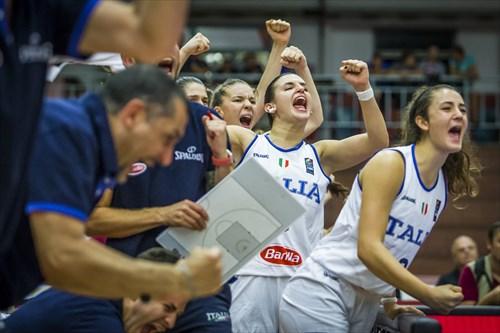 8 Anastasia Conte (ITA), 5 Giulia Ianezic (ITA), 13 Giovanna Smorto (ITA)