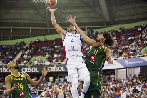 11 Anderson Varejao (BRA), 4 Gelvis Solano (DOM)