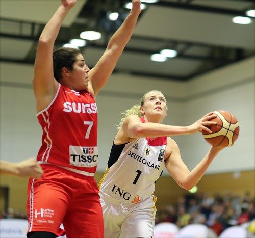 7 Katia Clement (SUI), 1 Marie Gulich (GER)