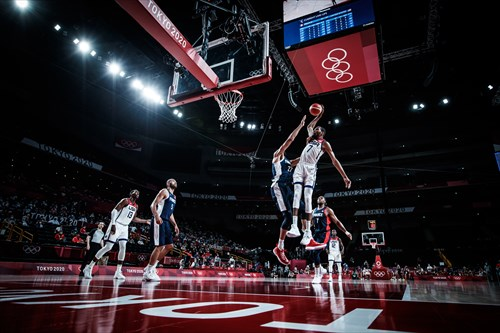 Durant dunks on France in Final
