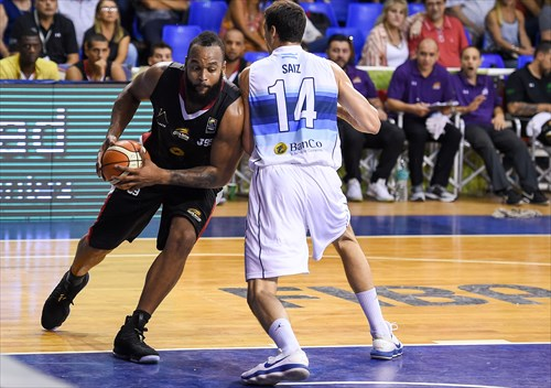 14 Javier Saiz (ARG), 0 Gregory Echenique (VEN)