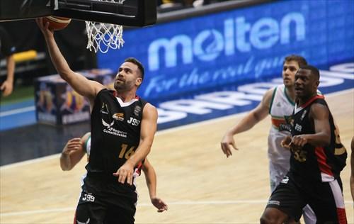 16 Carlos Cabezas (VEN)