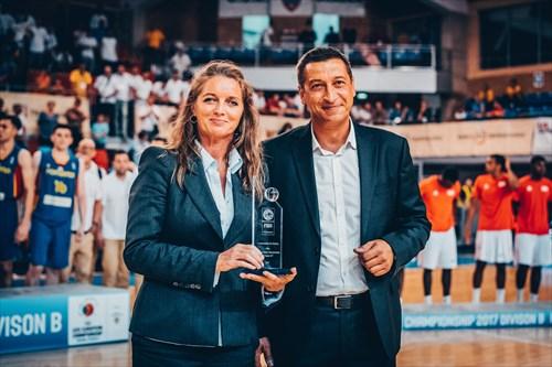 Crew Chief commissioner Irina Sumnikova and head of LOC Adrian Voinescu