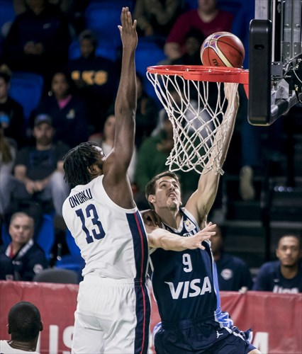 9 Nicolas Brussino (ARG), 13 Chinanu Onuaku (USA)