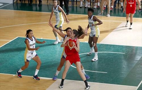 2 Viviana Zurita (ECU), 10 Anabel Barahona (ECU), 13 Tatiana Gomez (CHI)
