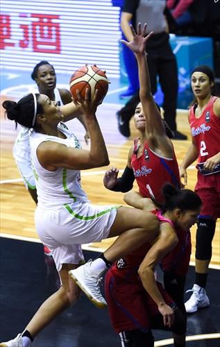 5 Pamela Rosado (PUR), 1 Tayra Melendez (PUR), 15 Kelly Santos (BRA)