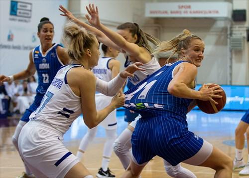 97 Elizaveta Shabanova (KURS), 21 Emese Hof (AVEN)