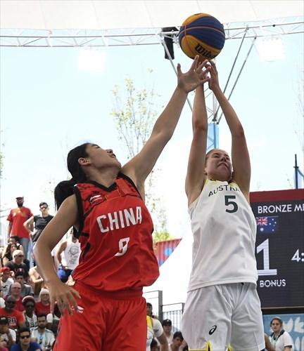 9 Hao Zheng (CHN), 5 Paige Bueckers (USA)