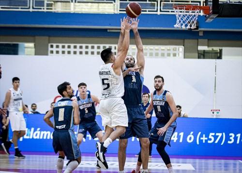 33 Kiril Wachsmann (URU)