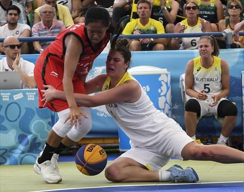 12 Han Xu (CHN), 4 Alexandra Fowler (AUS)