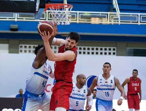 32 Nicolas Carvacho (CHI)