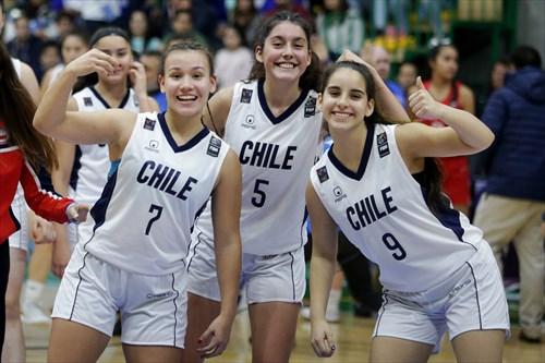 9 Josefa Orrego (CHI), 5 Gabriela Ahumada (CHI), 7 Catalina Valenzuela (CHI)