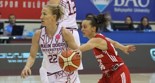 22 Courtney Vandersloot (TUR)