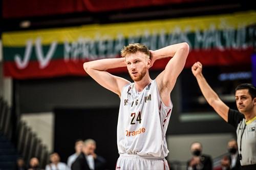 24 Andy Van Vliet (BEL)