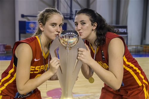 8 Maria Torreblanca (ESP), 5 Laura Piera (ESP)