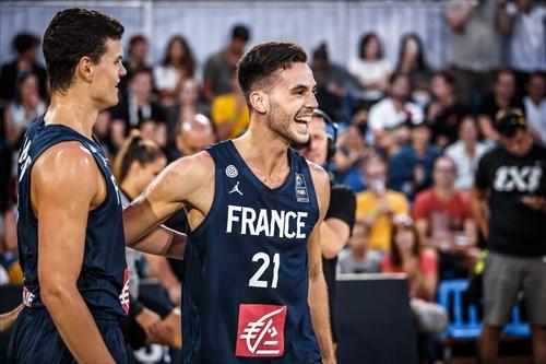 17 Jules Rambaut (FRA), 21 Franck Seguela (FRA)