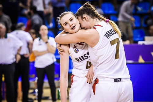 Russia sneaked past Australia 67-65 with 2 late free-throws from Vadeeva