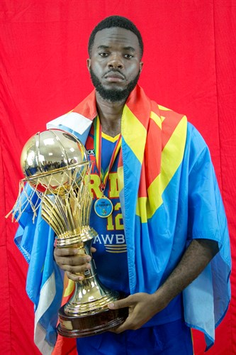12 Emmanuel Isungu (COD)