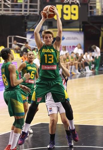 13 Nadia COLHADO (Brazil)