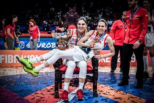 15 Anna Cruz (ESP), 10 Marta Xargay (ESP), ESP vs FRA