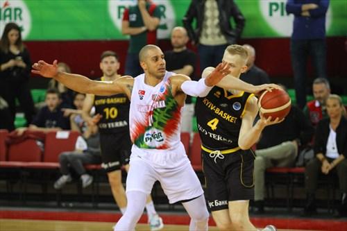 4 Bogdan Bliznyuk (KYIV), 19 Jordan Morgan (KARSI)