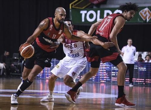 17 Anderson Varejao (FLA), 11 Marquinhos Sousa (FLA), 12 Martin Aguilera (GOE)