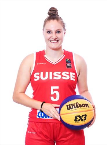 5 Nadia Constantin (SUI)