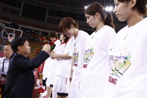 Presenting the Gold Medals