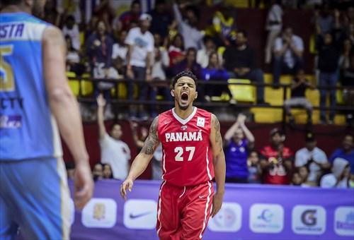 27 Daniel Giron (PAN)