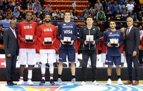 All Star Five Team Players, Usie Richards (left-President FIBA Americas), Carlos Alves (right-Executive Director FIBA Americas)