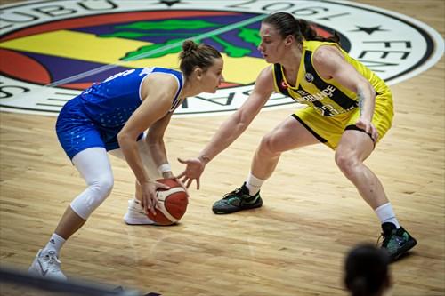 23 Alina Iagupova (FENER)