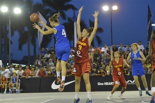 #4 Francesca Gambarini (Team Italy) vs #9 Laura Quevedo (Team Spain)