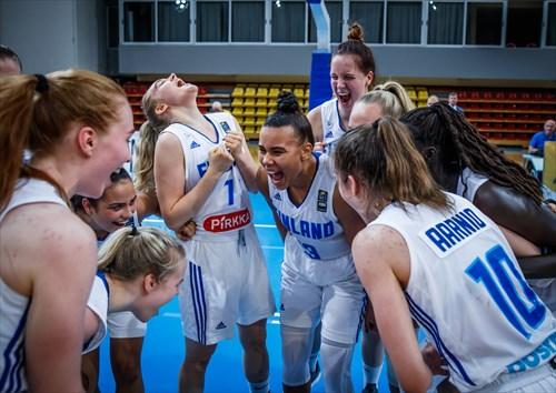15 Liisa Katariina Taponen (FIN), 7 Saga Alexandra Ukkonen (FIN), 13 Emerita Hazvineyi Merituuli Mashaire (FIN)