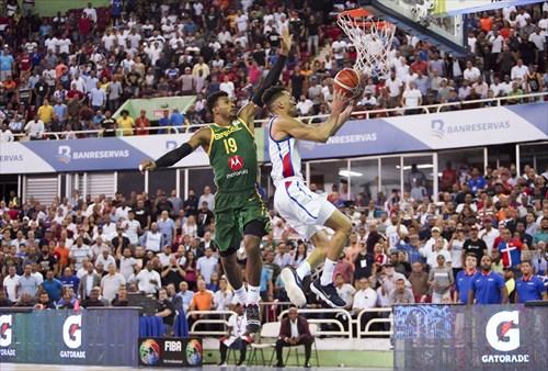 19 Leandrinho Barbosa (BRA), 2 Rigoberto Mendoza (DOM)