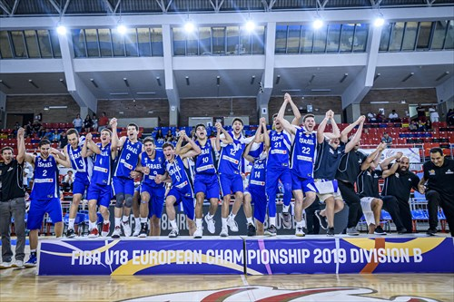 Israeli players celebrating the win of gold medals