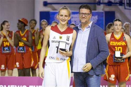 13 Leonie Fiebich (GER)