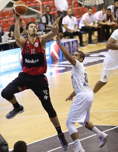 12 Rafael Mineiro (FLA), 20 Samuel Ferreira (BAU)