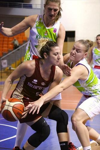 8 Ilona Burgrova (CZE), 5 Eva Kopecka (CZE), 5 Debora Carangelo (ITA), Eurocup KP BRNO - REYER VENEZIA