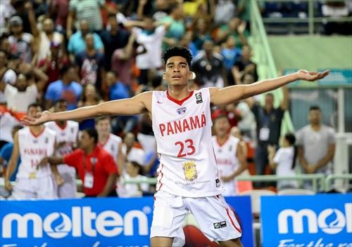 23 Ricardo Lindo (PAN)