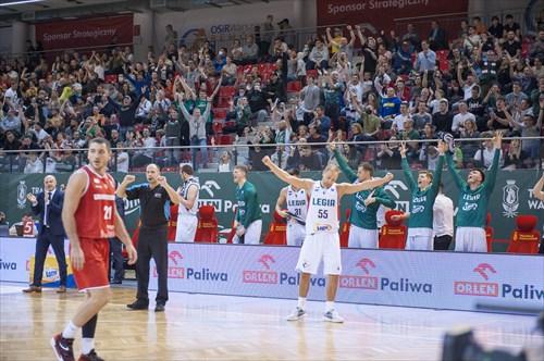 55 Lukasz Koszarek (LEGIA) with the team and fans celebrating.