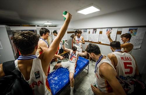 Team Spain celebrate