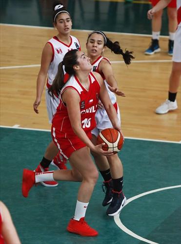 6 Lorena Garcia (PER), 10 Barbara Cousiño (CHI)