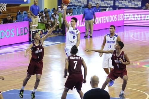 7 Jose Meneses (VEN), 6 Julio Santana (DOM)