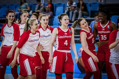 31 Lucie Hosková (CZE), 35 Isnelle Geofrette Natabou (CZE), 4 Patricia Gallasová (CZE)