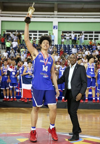 14 Alanzo Frink (DOM), Usie Richards (FIBA Americas), MVP