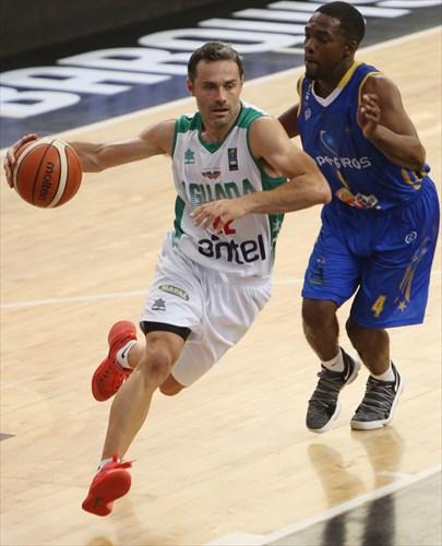 22 Federico Bavosi (URU)