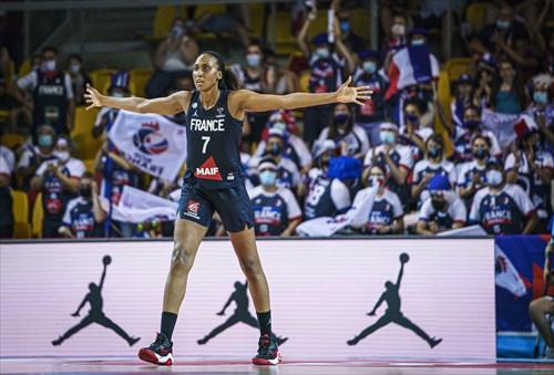 7 Sandrine Gruda (FRA)