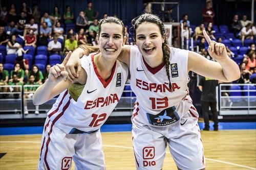 13 Laia Solé Tomás (ESP), 12 Maria Barneda De Santos (ESP), ESP vs SRB
