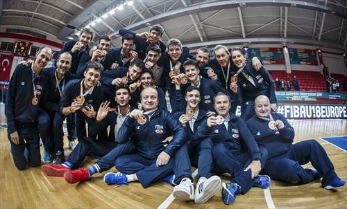 Bronze medallists Italy